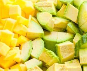 Мус от авокадо и манго