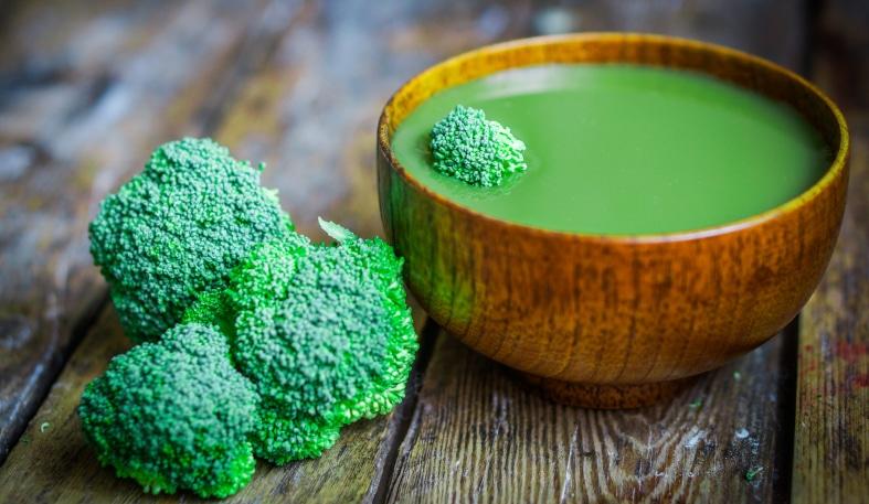 Вкусни домашни броколи за бебето - пюре