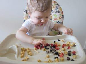 Ръководство за хранене на бебето до 12 месец - хранене от 10 до 12 месеца