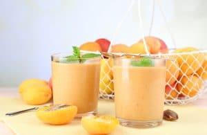 Плодови рецепти за бебе - Компот от плодове с канелен крем