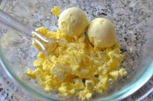 Яйчни жълтъци
